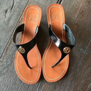 TORY BURCH CAMERON WEDGE SANDAL SIZE 8
